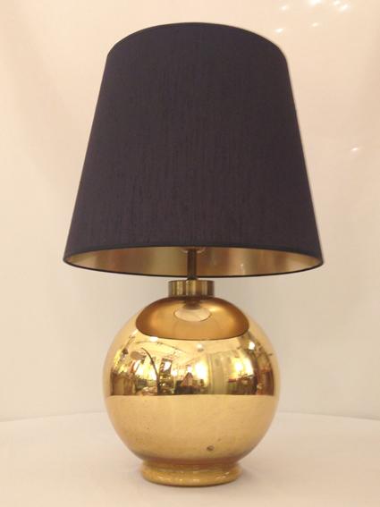 Lampe boule en verre eglomis avec abat jour en soie noir for Boule en verre pour lampe