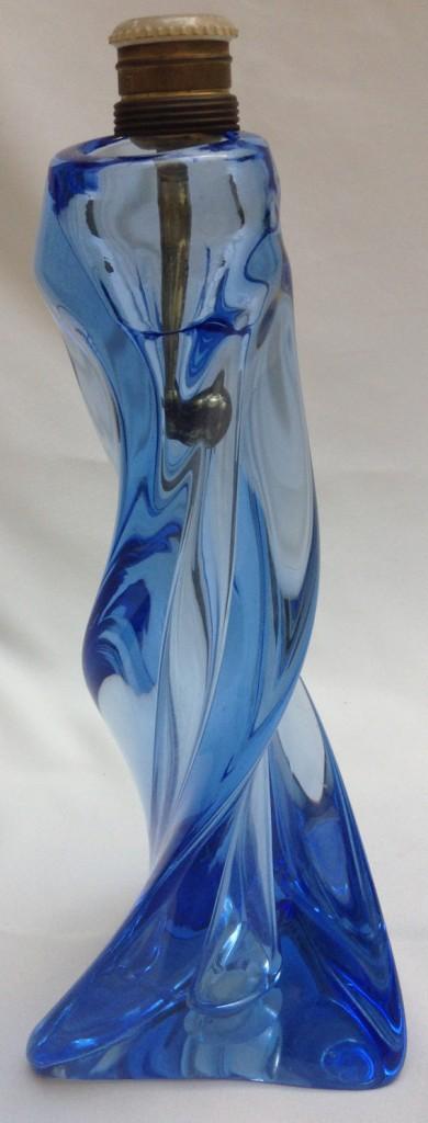 Lampe en verre soufle bleu 4A