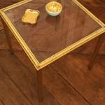 Bout de canapé en verre et laiton doré 2