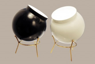 Paire de lampes italiennes en métal peint noir et blanc 3