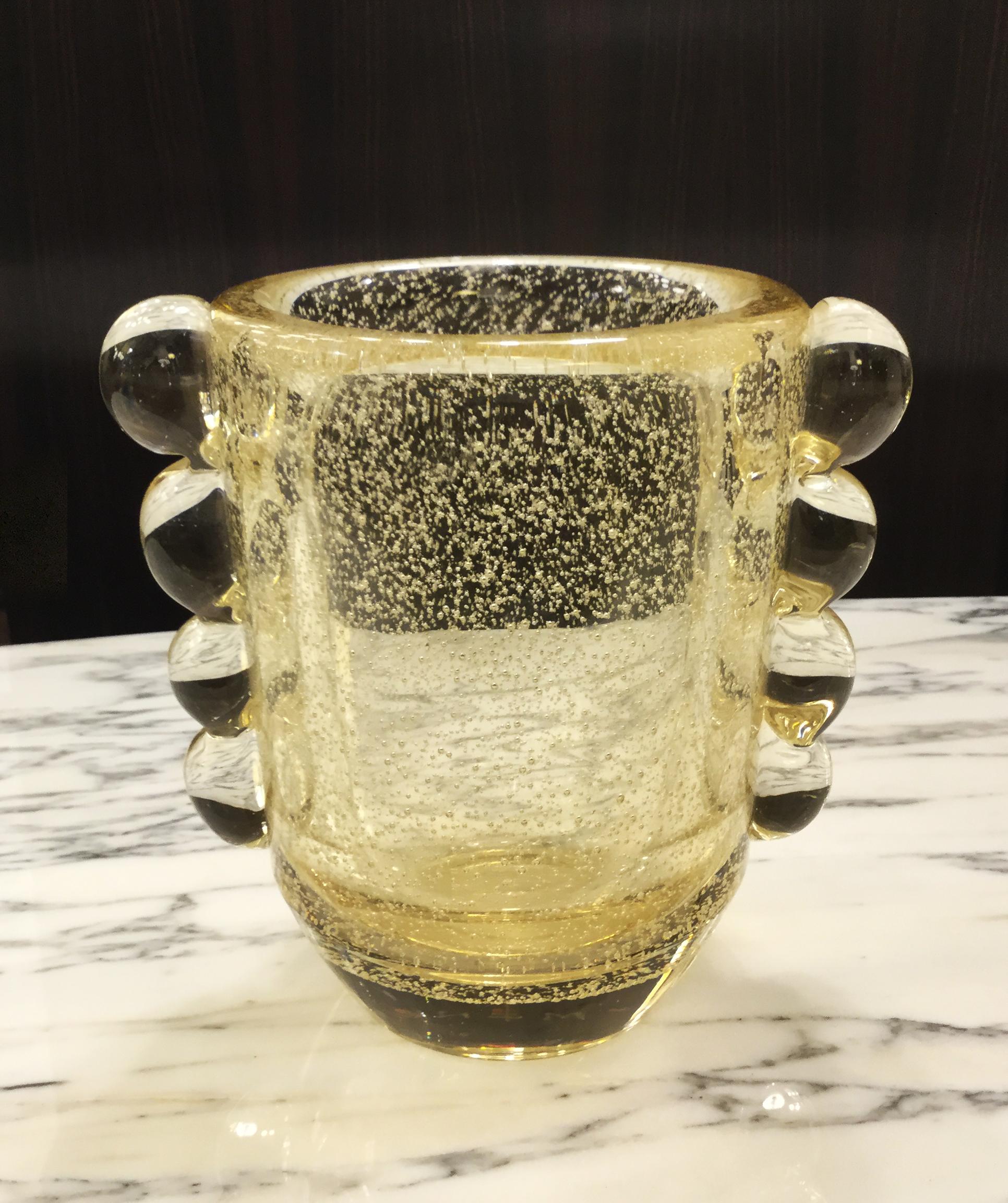 Vase en verre bullé