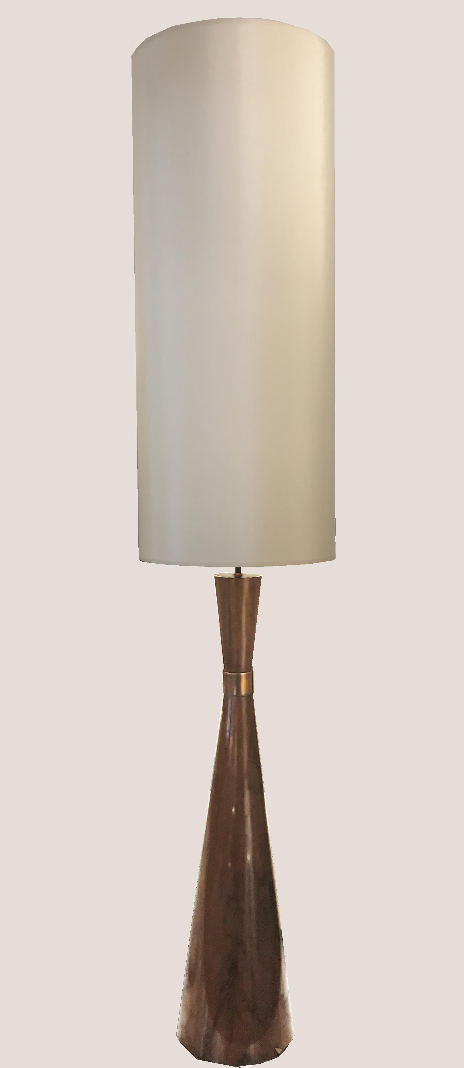 Grand lampadaire