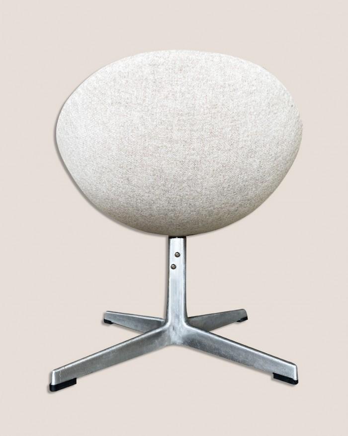 Egg chair 4