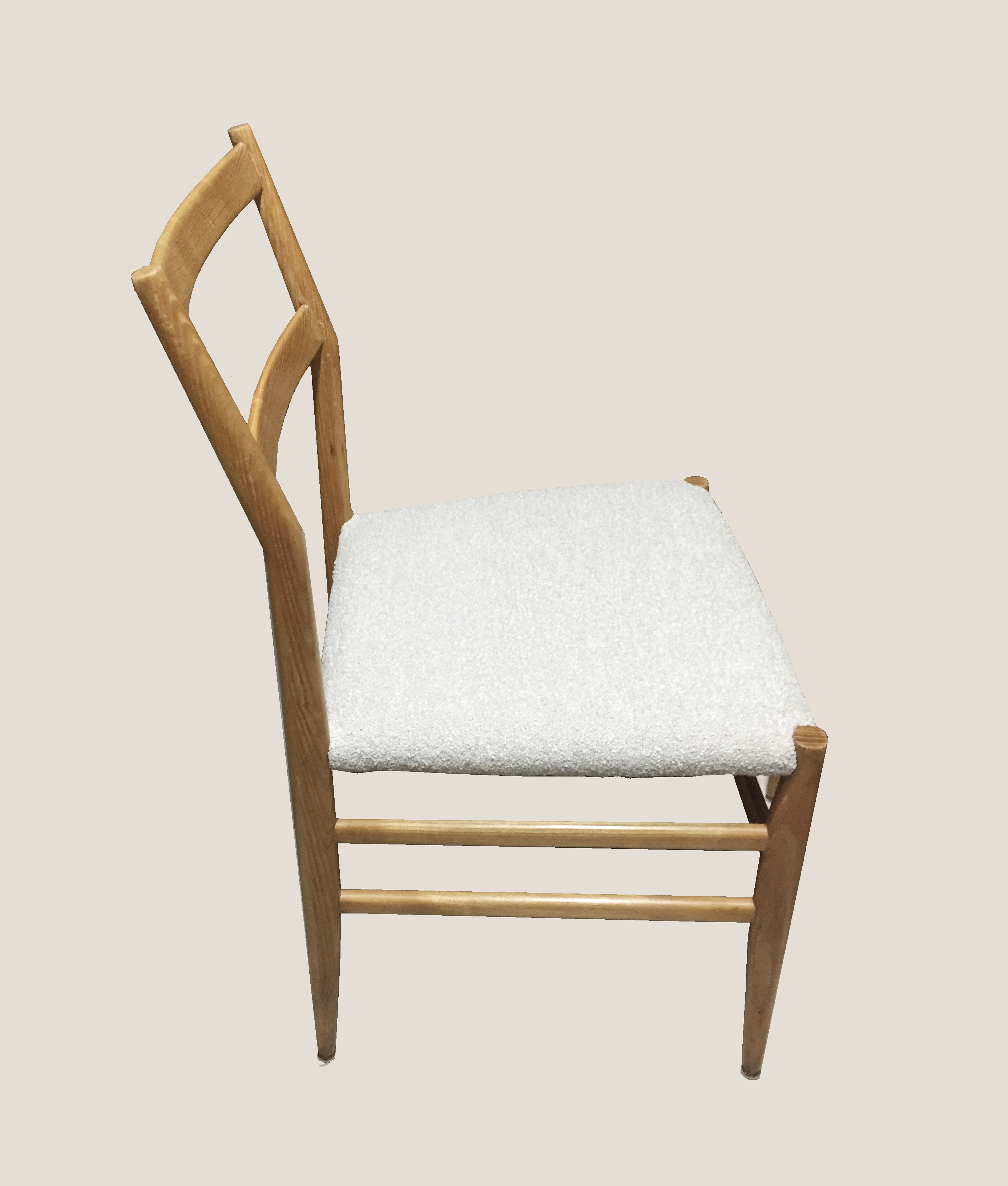 chaise super legera assise grise
