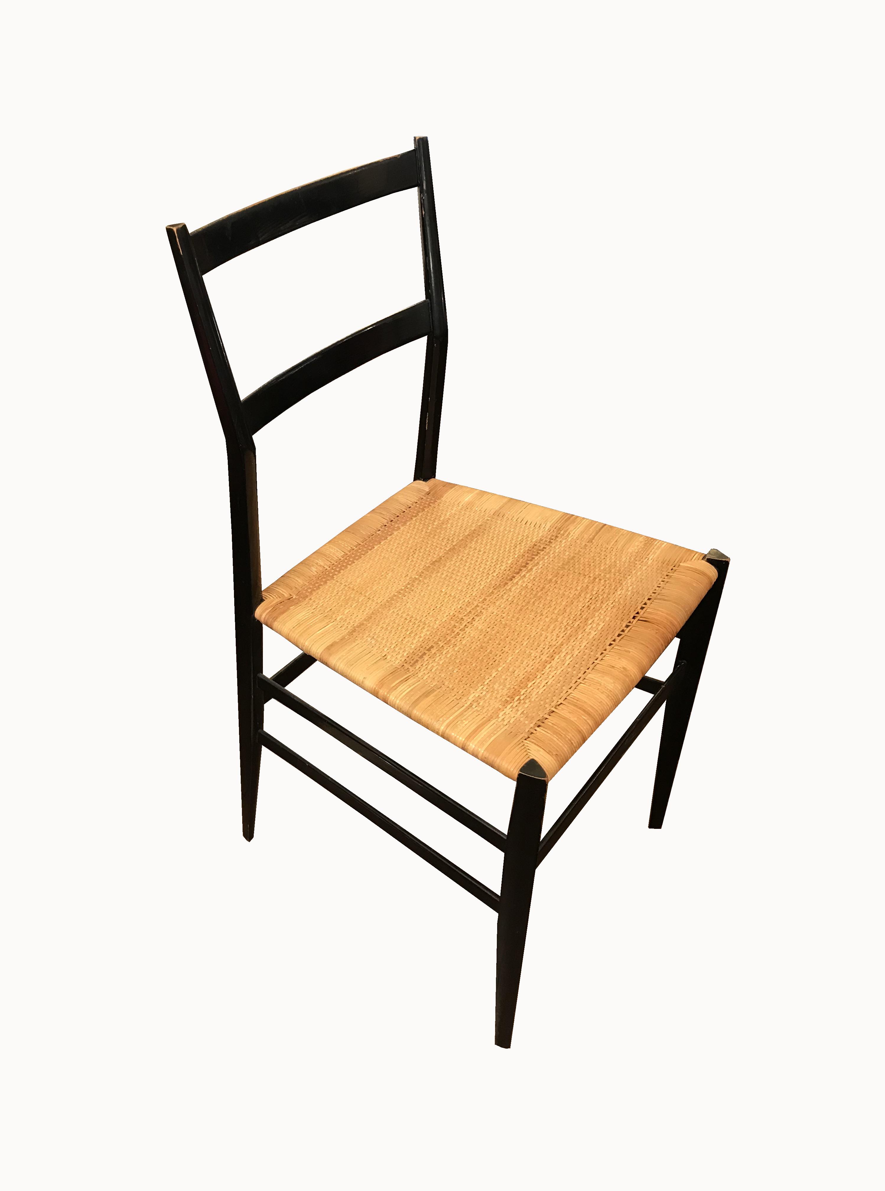 chaise superleggera Gio Ponti vue 1